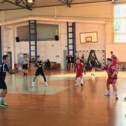 Handbal: Juniorii 3 încheie turul pe primul loc.