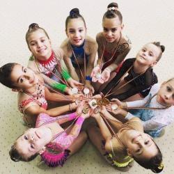 10 medalii la gimnastica ritmica